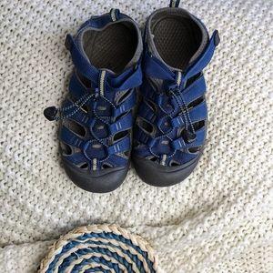 Keen Newport H2 Water Shoes GGUC Men's Sz 6